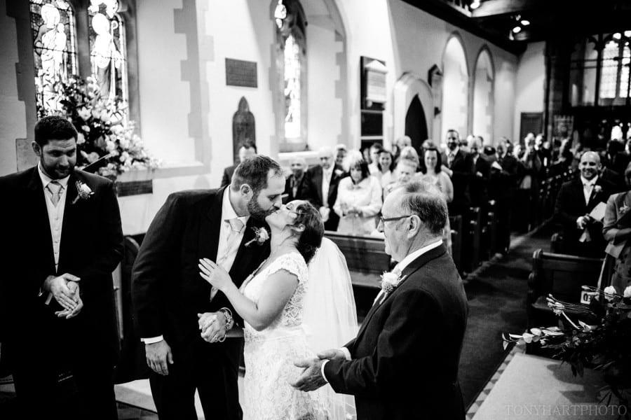 millbridge_court_wedding_kd_34