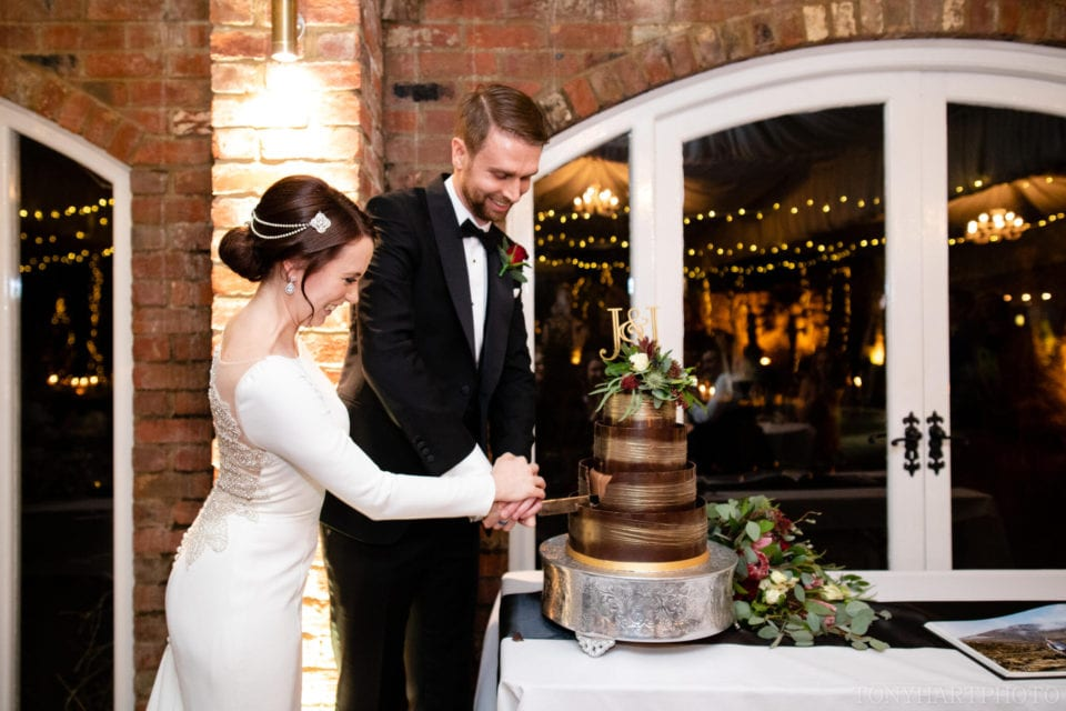 Northbrook Park Wedding Photography - Cutting the Cake