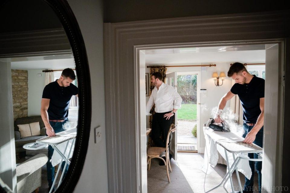 Groom prep at Casina Cottage